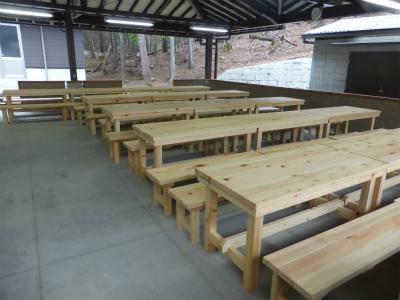 野外炊飯場 テーブル、イス ①