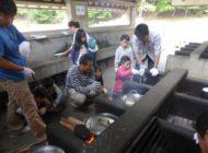野外炊飯でご飯とカレー作り(2)