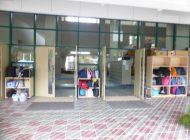 荷物棚設置状況①(玄関入り口前ポーチ)