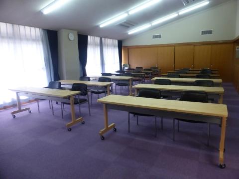 会議用テーブル設置状況