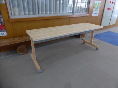 会議用テーブル(奥行600mm)設置状況 ① シーツ室前1台(3)