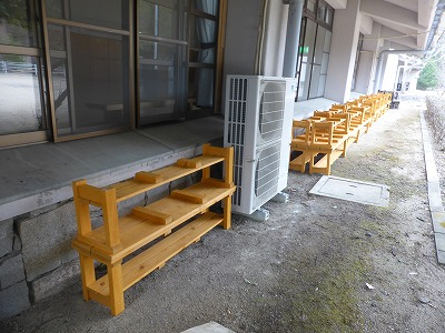 屋外用ベンチ設置状況(通常収納時)②